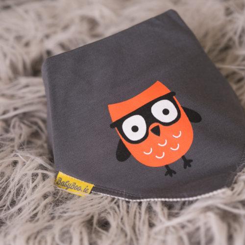 grey owl bandana bib