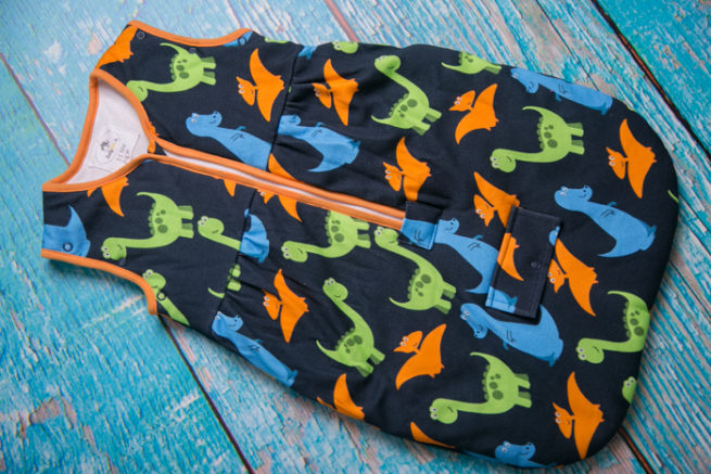 0-6 months dinos print no sleeves