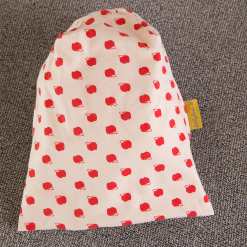 Red apples beanie hat