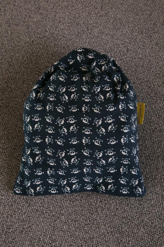 Grey skulls beanie hat