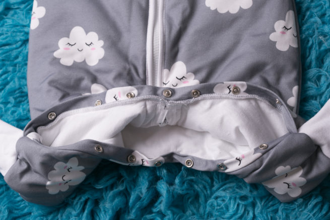 SnuggleBoo sleepsuit Sleepy clouds