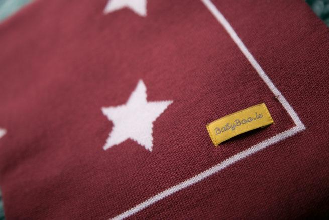 Maroon stars organic cotton blanket