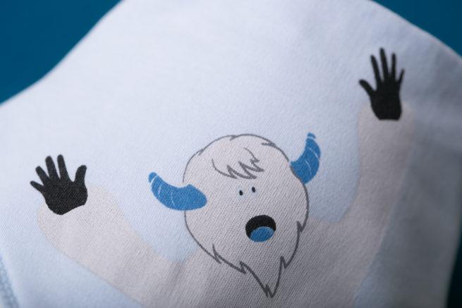 Yeti organic cotton bandana bib