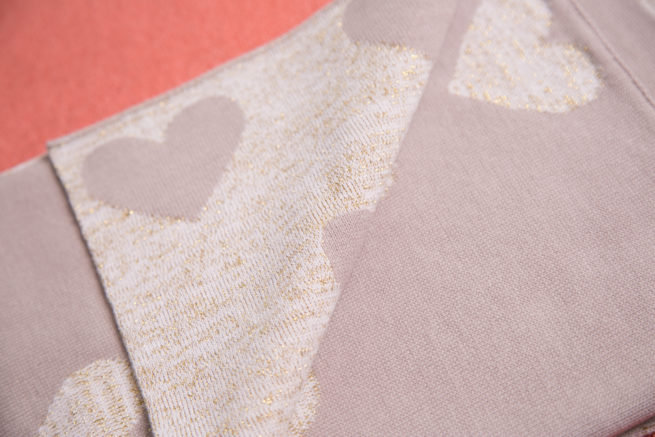 Gold hearts organic cotton blanket