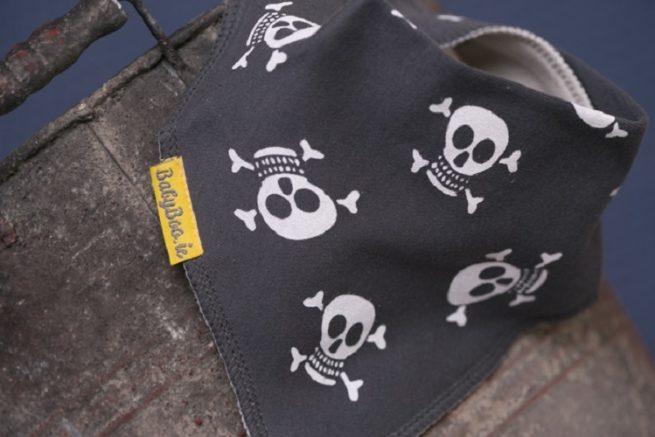 Grey skulls dribbleboo bandana bib